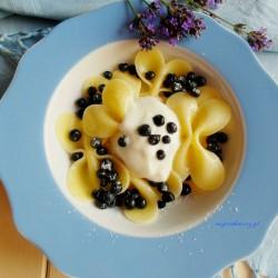 makaron-z-owocami